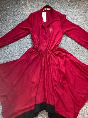 Rotes schickes Kleid