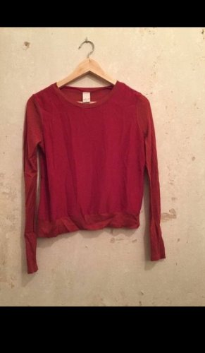 Rotes Seidenhemd