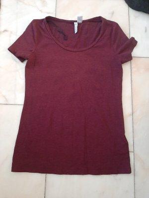 Rotes Shirt