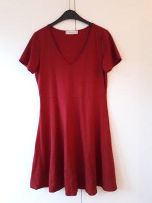 Vestido de tela de jersey rojo-rojo oscuro