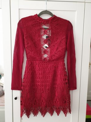rotes Spitzen boohoo Kleid