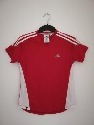 Rotes Sportshirt