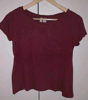 Rotes T-Shirt mit Brusttasche