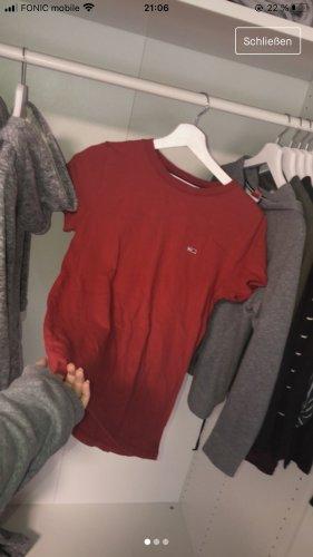 Rotes Tommy Hilfiger Shirt/ T-Shirt