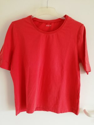 rotes Tshirt Basler
