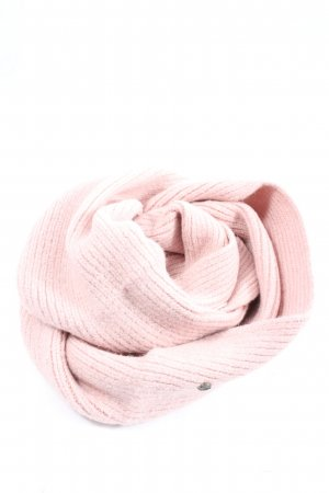 Roxy Snood pink casual look