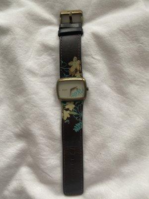 Roxy Uhr für Surfern offduty