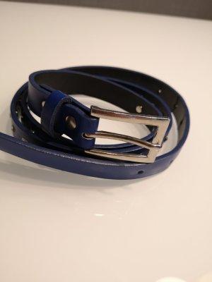 Royalblauer Gürtel mit Glitzersteinchen