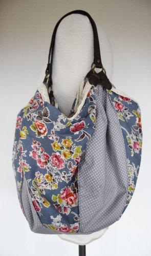 Ruby & Kit - Romantische Beutel Tasche mit Spitze und Blumen