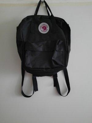 Plecak na kółkach biały-czarny