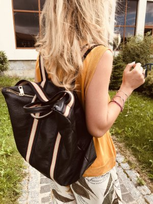 Rucksack Lederrucksack Handtasche Ledertasche 2 in 1 Schwarz