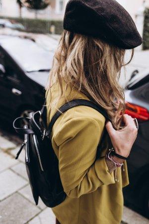 Rucksack  Lederrucksack Handtasche schlicht in schwarz Leder neu