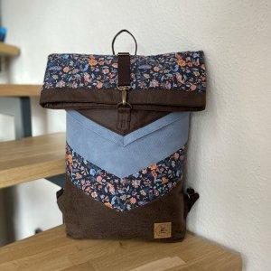 Zwijany plecak czarno-brązowy-błękitny