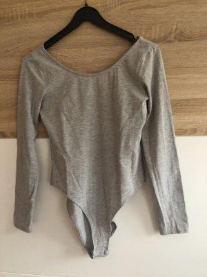 H&M Blusa sin espalda gris claro-gris