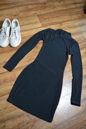 Rückenfreies, figurbetontes Kleid mit Stehkragen 36 Emily Shak & Luxe To Kill