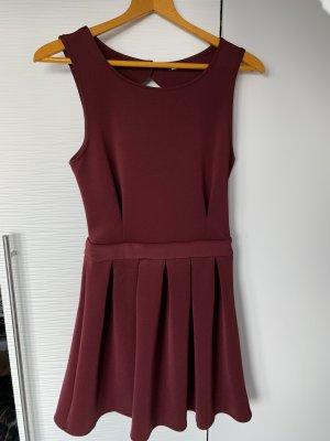 Rückenfreies Kleid Bordeaux/ dunkelrot