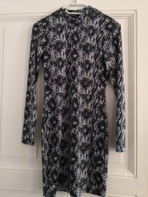 H&M Divided Robe découpée blanc-bleu foncé