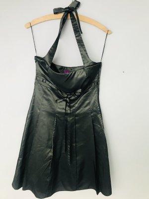 Rückenfreies Sommerkleid von Sonja Kiefer