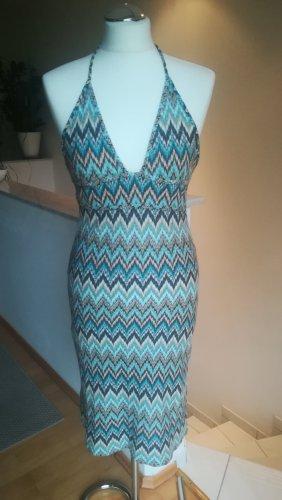Rückenfreies Strick-Kleid in Missoni-Stil