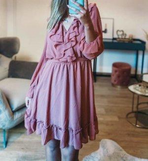 Boutique Comtesse Sukienka z falbanami różowy