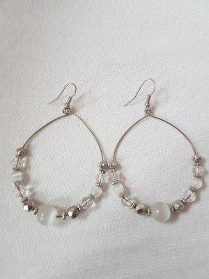 Runde Ohrhänger mit Perlen