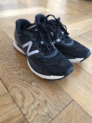 Running Shoes New Balance W880GT9