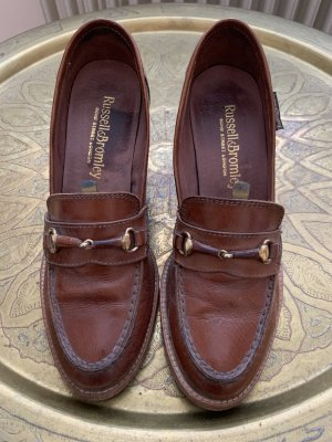 Russell & Bromley Luxus Courts Leder Pumps Gr 38,5