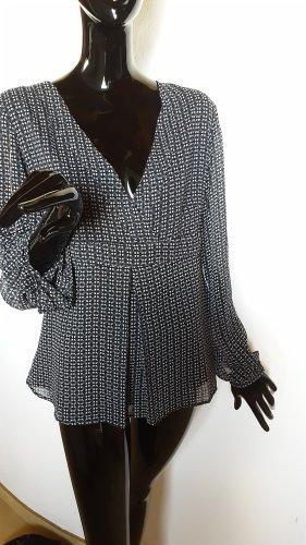 S. Oliver, dunkelblaue Bluse mit tiefen V- Ausschnitt, Gr.40