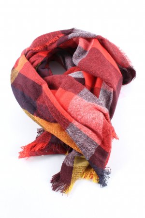 s.Oliver Fringed Scarf check pattern casual look