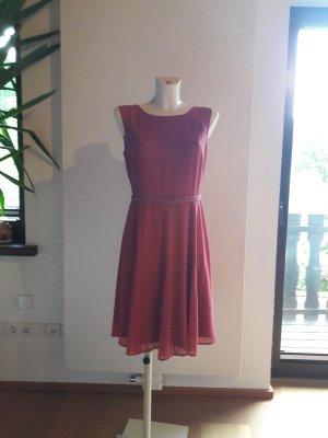 s.Oliver Vestido corte imperio rojo frambuesa-rosa
