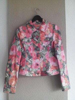 s.Oliver hübsche Jeansjacke mit Blumenprint, Größe 36