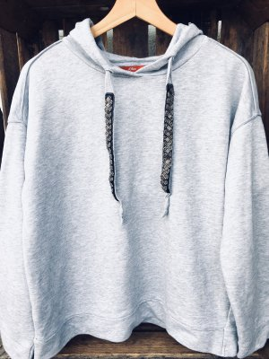 s.Oliver Jersey con capucha gris