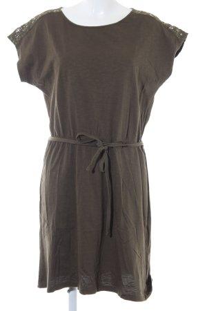 s.Oliver Shirtkleid khaki Street-Fashion-Look