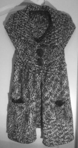 s.Oliver Knitted Vest black-white