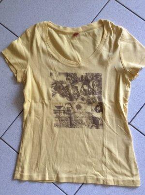 s.Oliver T-Shirt Gr. 40  mit golfarbenem Folienprint