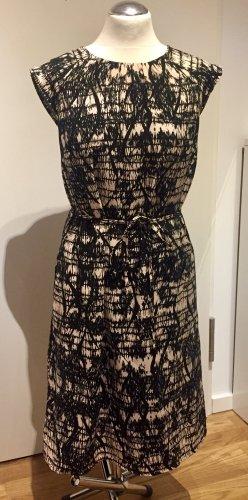 S. Oliver: Weiches Etui Kleid mit grafischen Muster Gr. 38 NEU