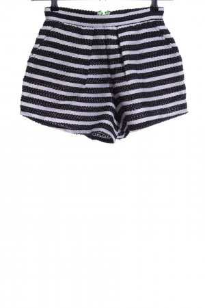 Sabo Skirt High-Waist-Shorts white-black striped pattern casual look