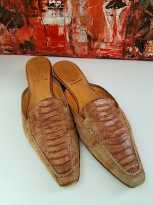 0039 Italy Sabots cognac coloured camel