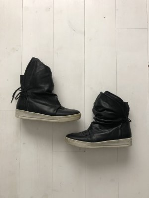 Sacha Lace-up Boots black-white