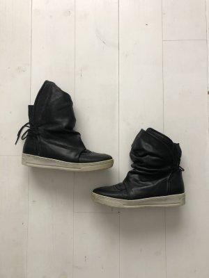 Sacha Aanrijg laarzen zwart-wit