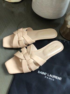 Yves Saint Laurent Sandały na obcasie z rzemykami nude