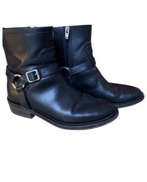 Saint Laurent Zipper Booties black