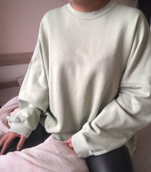 salbeigrüner Sweater distressed