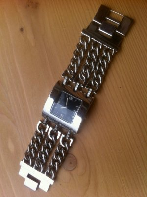 Watch With Metal Strap light grey metal