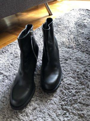 Escada Low boot noir