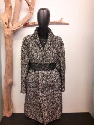SALE: Fischgrät Vintage Mantel