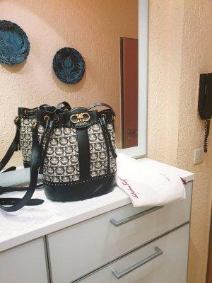 Salvatore Ferragamo Bucket Bag Tasche