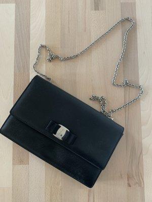 Salvatore Ferragamo Handtasche Abendtasche Clutch schwarz Bow Vara NP 590€