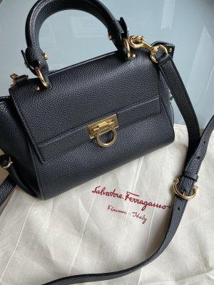 Salvatorre Ferragamo Sofia Tasche schwarz gold Leder