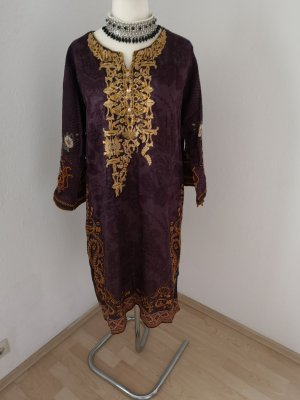 Vestido de lana violeta oscuro